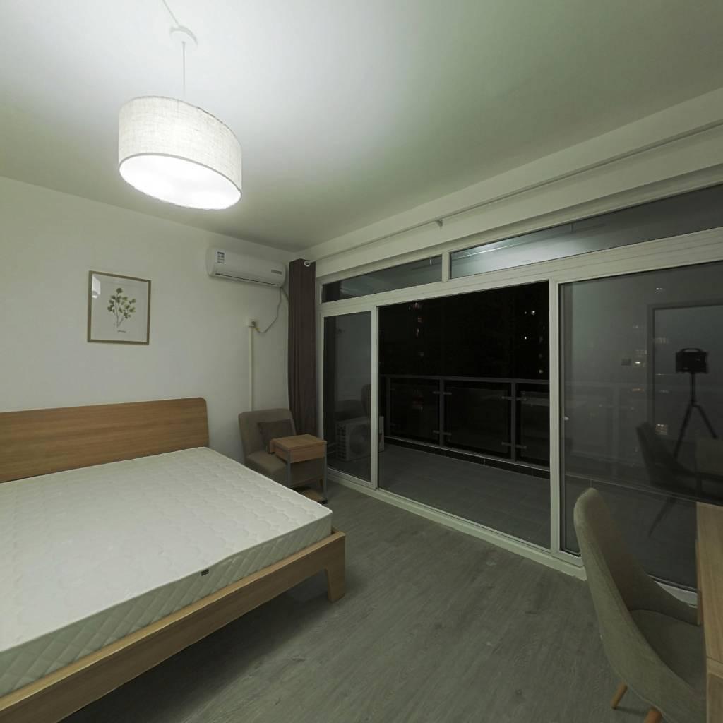 合租·戛纳湾滨江 5室1厅 西卧室图