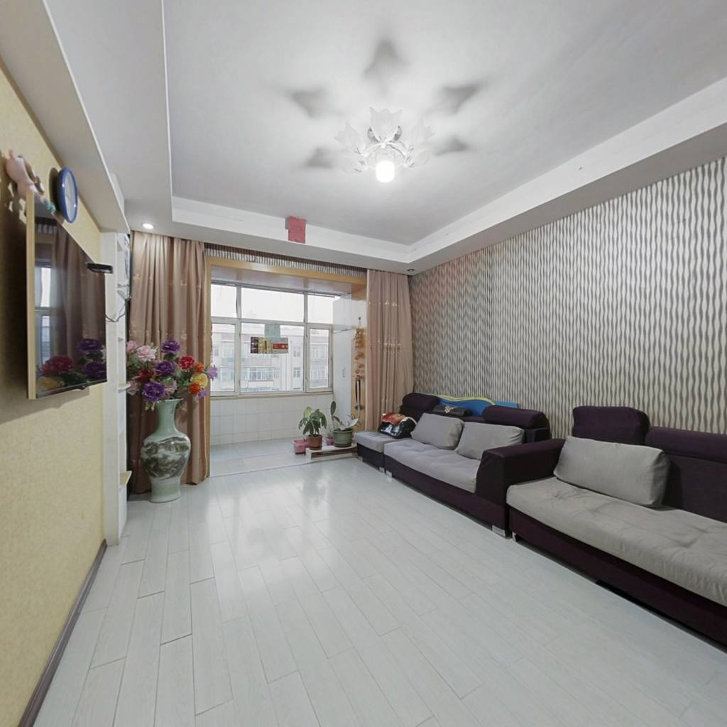 永泰广小区,三室一厅,交通便利,高楼层,视野开阔