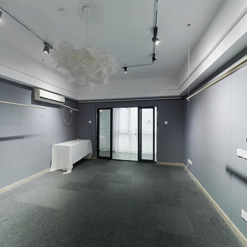 台江万达广场 1室1厅 西