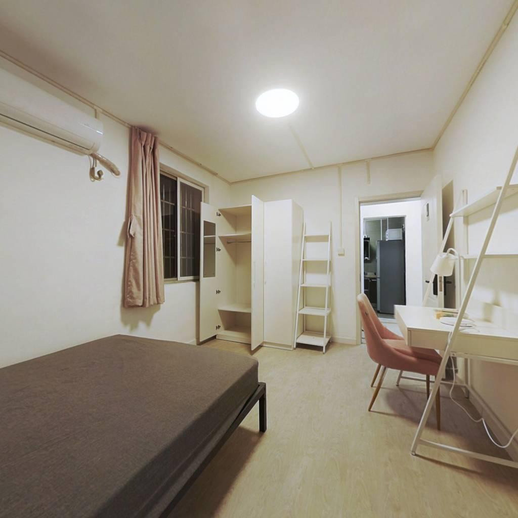 合租·景芳二区 3室1厅 南卧室图