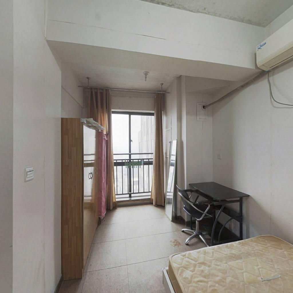 工业园边公寓出售,业主诚心出售,可以看房