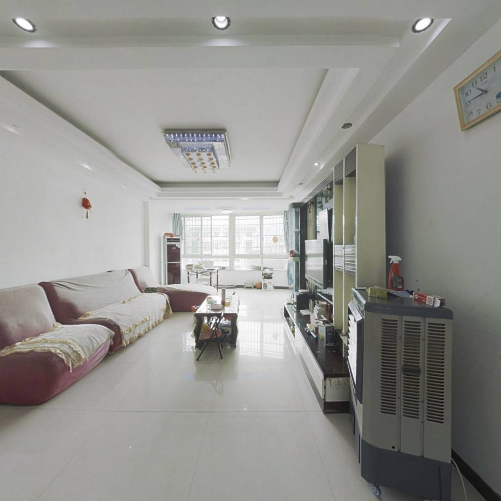 房东诚心售 房子户型方正 买一层得两层 旁边配套齐全