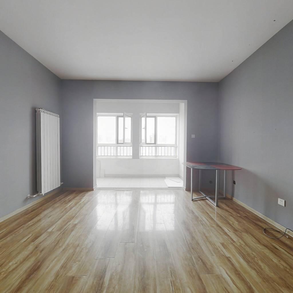盛景家园 大两室 带20平地下室 价格能谈  看房方便