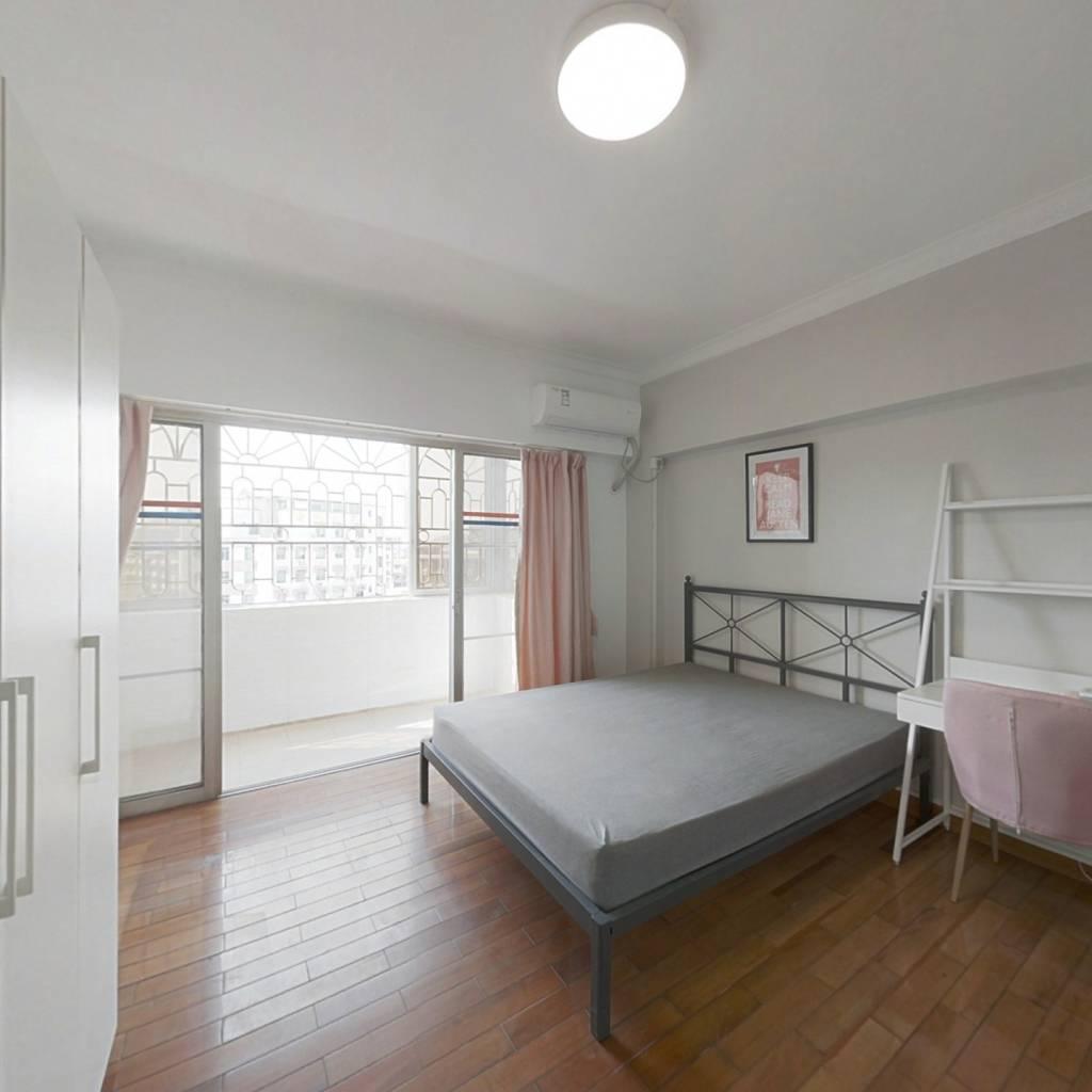 合租·富华花园 4室1厅 南卧室图