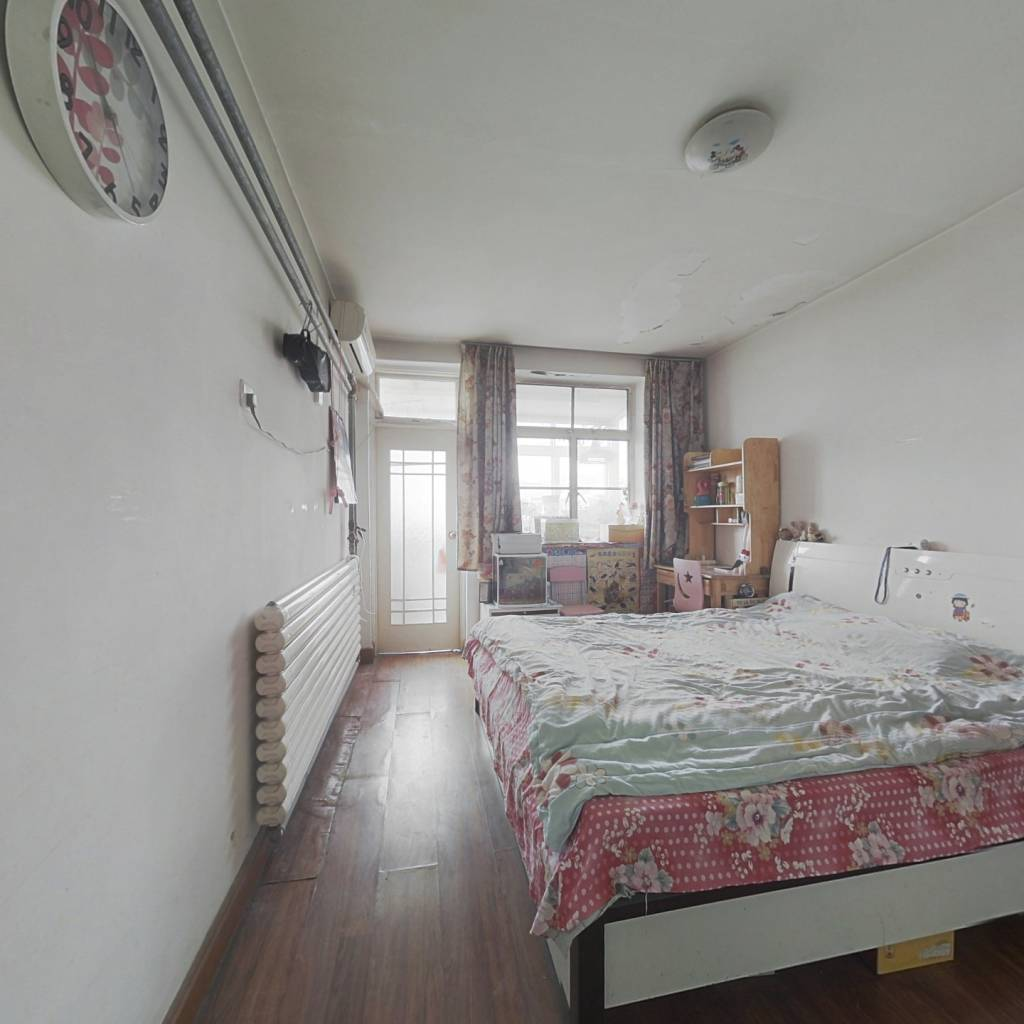 燕子山小区西区 一室一厅 价格合适 诚心出售