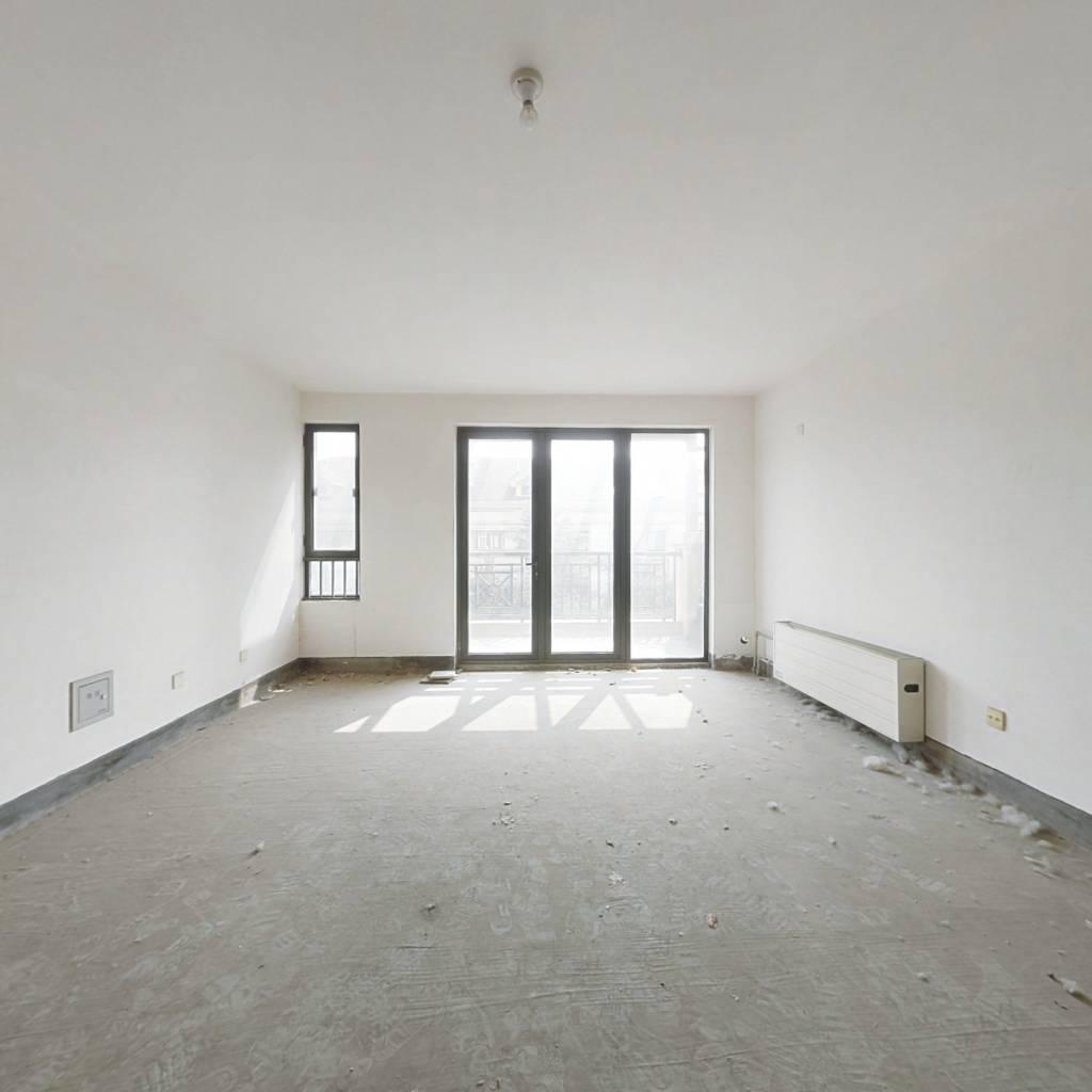 绿城百合公寓桂雨苑毛坯房看房方便,随时签约。