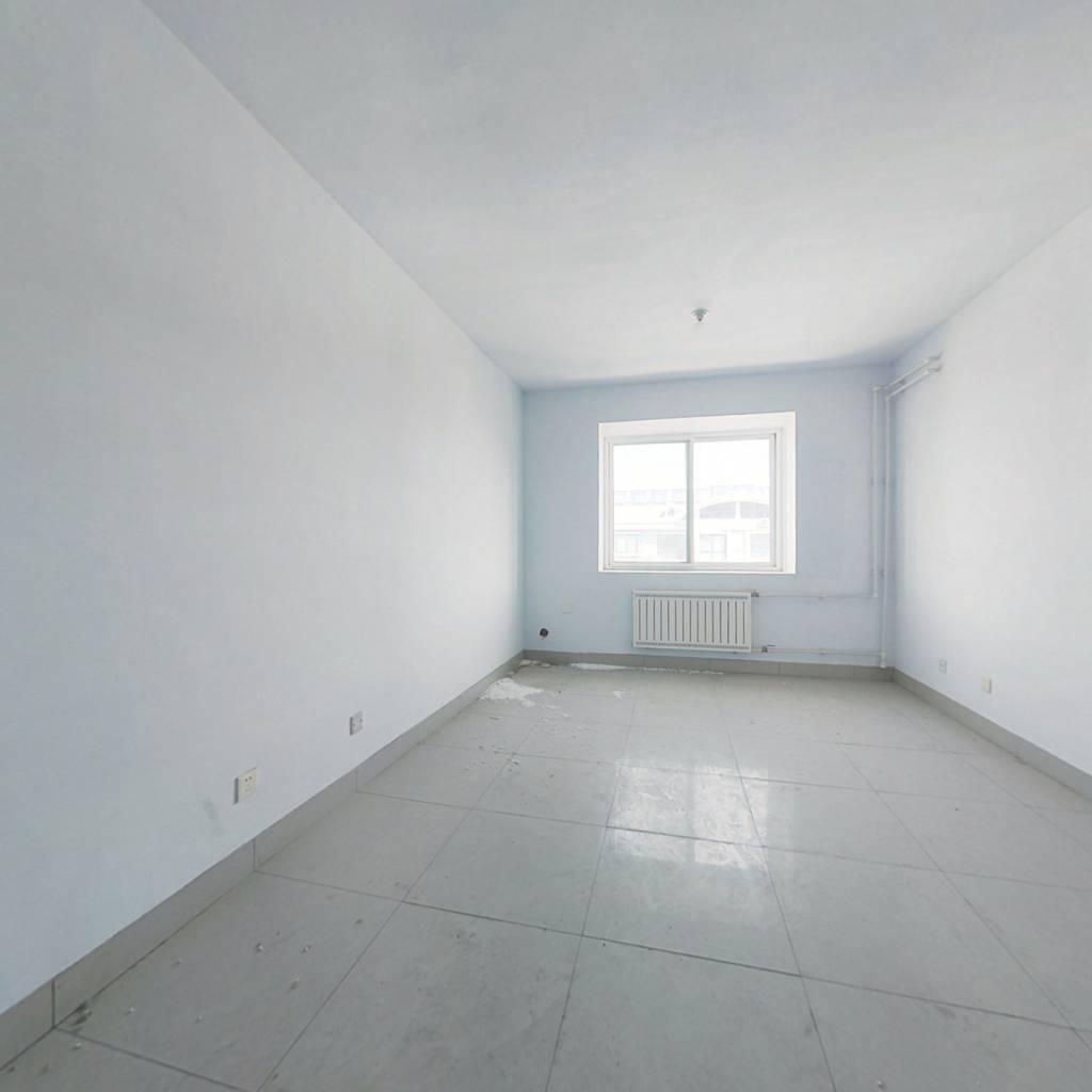 青旗山花园精装两室带配套房,户型方正前后无遮挡