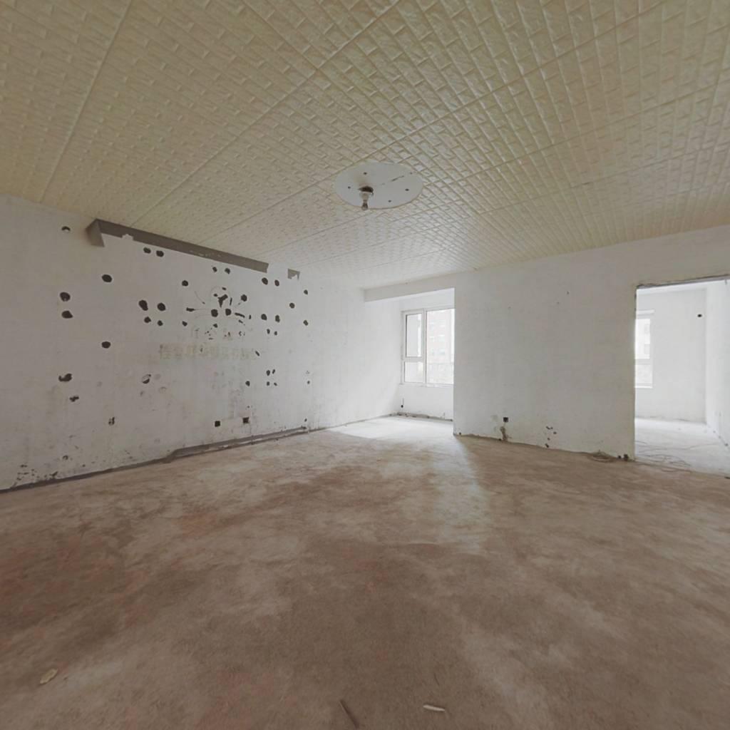 富锦嘉园 大三居带储物间,电梯地暖房 大本在手