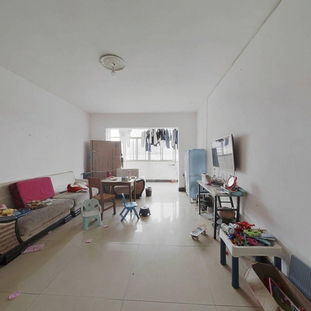 此房满五年,简单装修带租约,4楼的复式