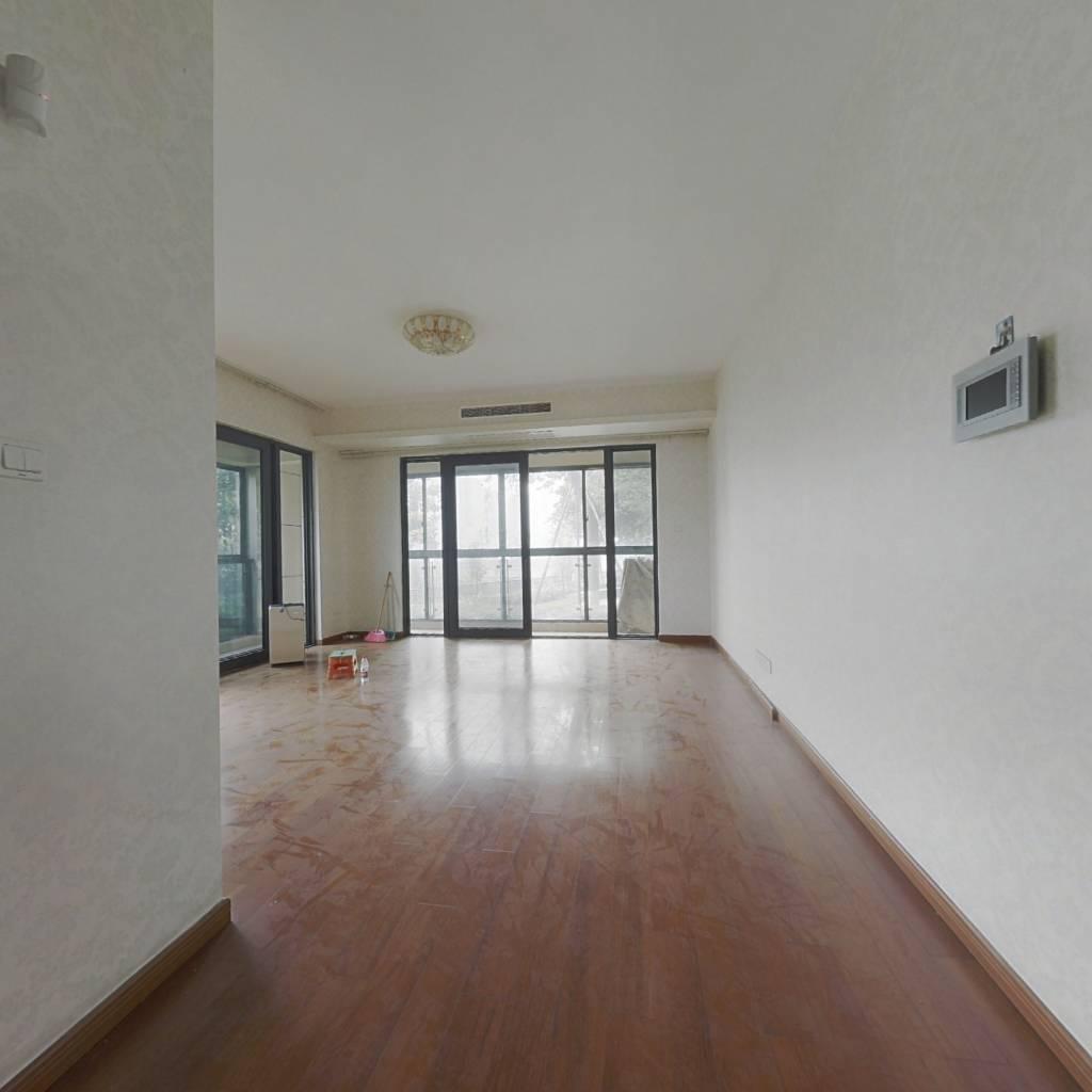 雍江艺庭 4室2厅 东北