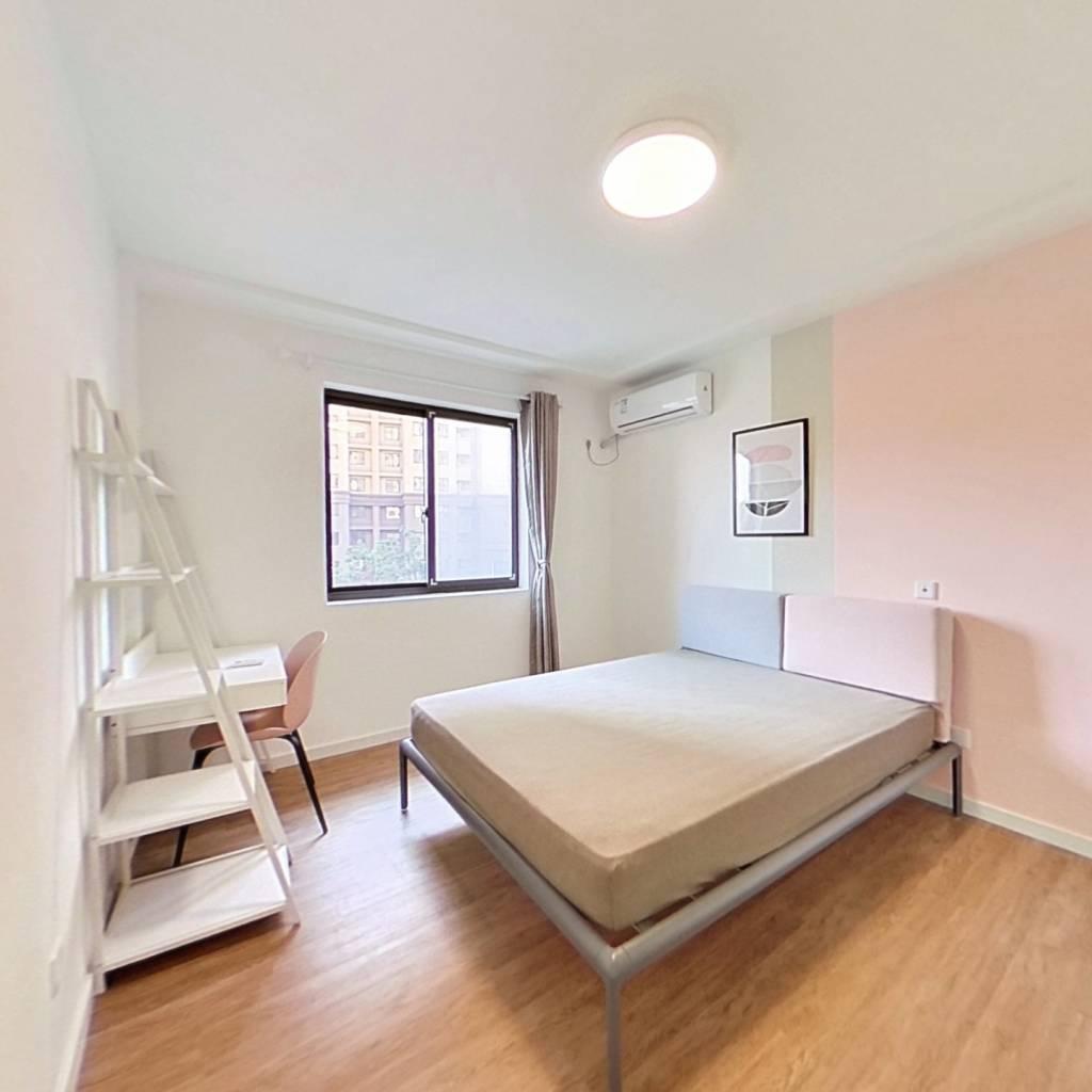 合租·和欣家园 3室1厅 东卧室图