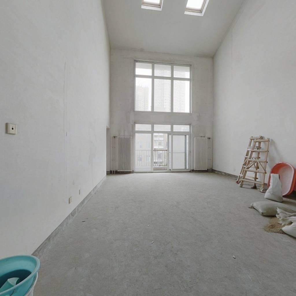 洋房复式500平3阁楼区政府文景路地铁口