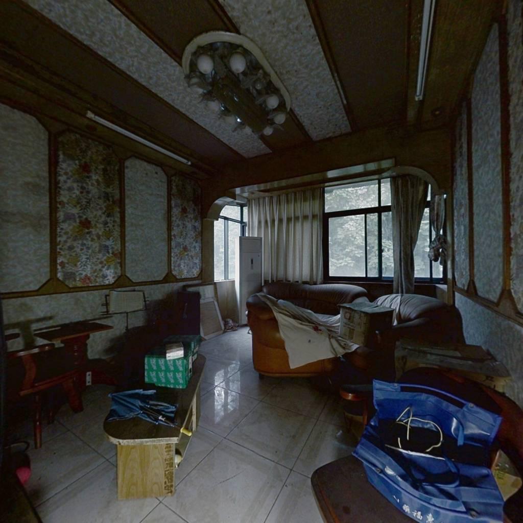 龚家寨简单装修标准两室一厅,户型方正,看房方便