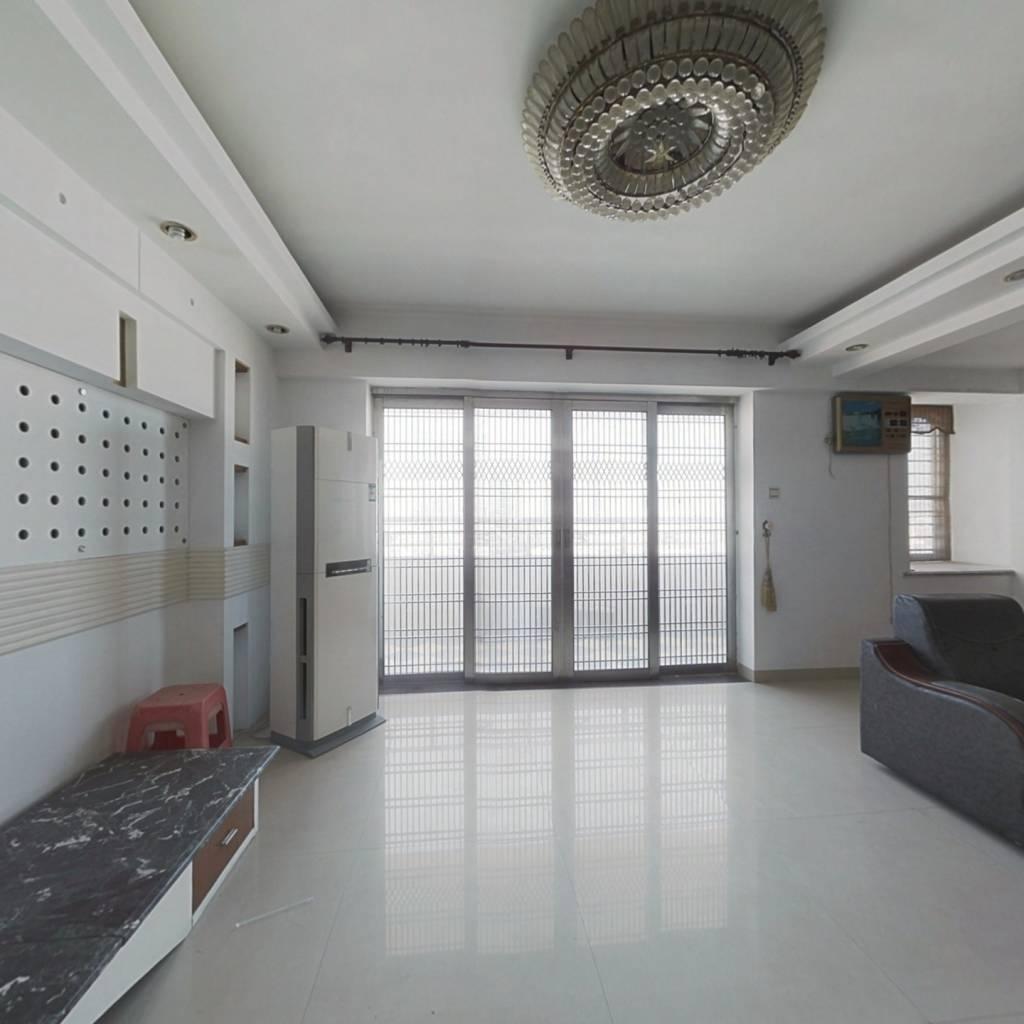 辉庆广场 5室2厅 东南 北