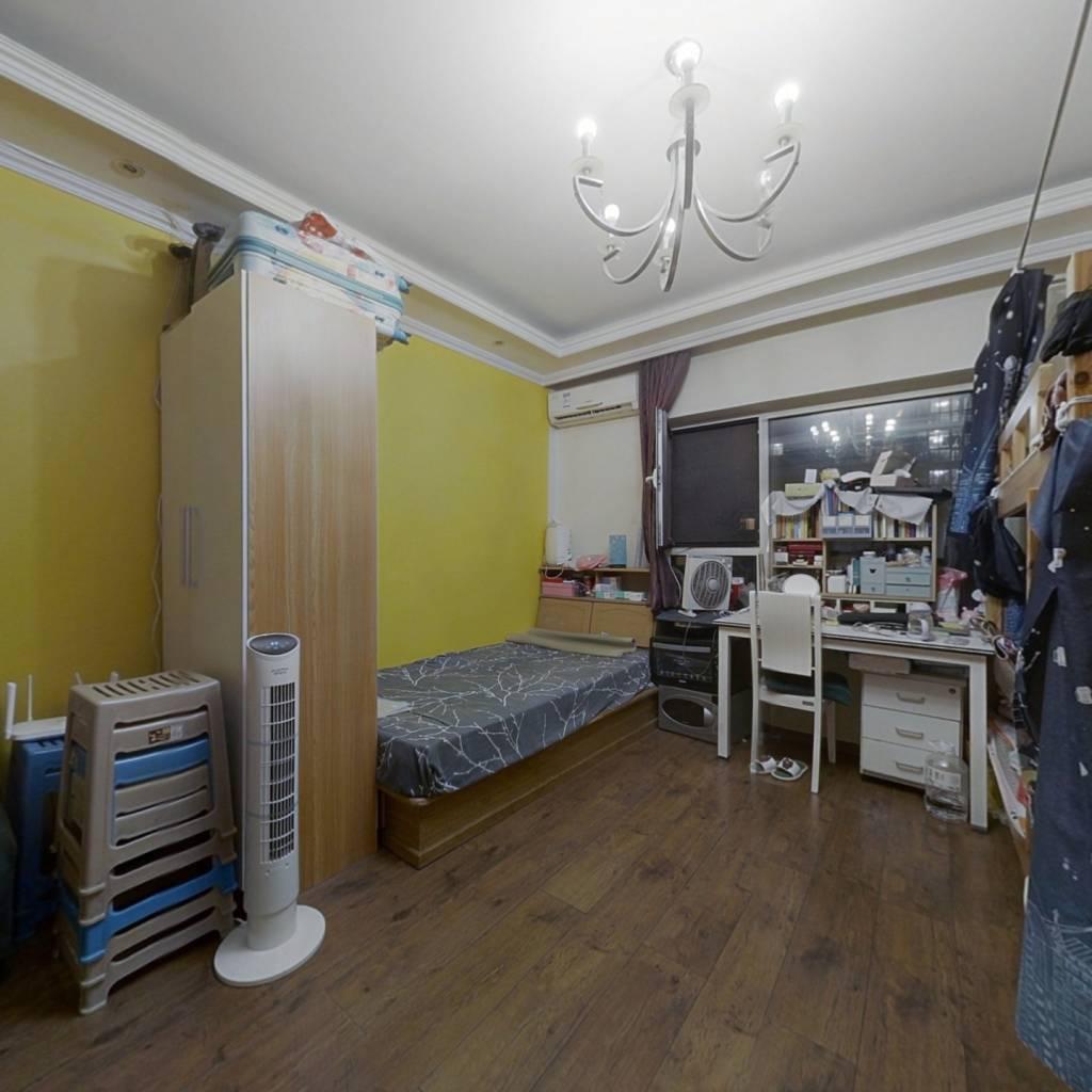海淀2009年商品房社区 南北三居 地暖 满五唯一