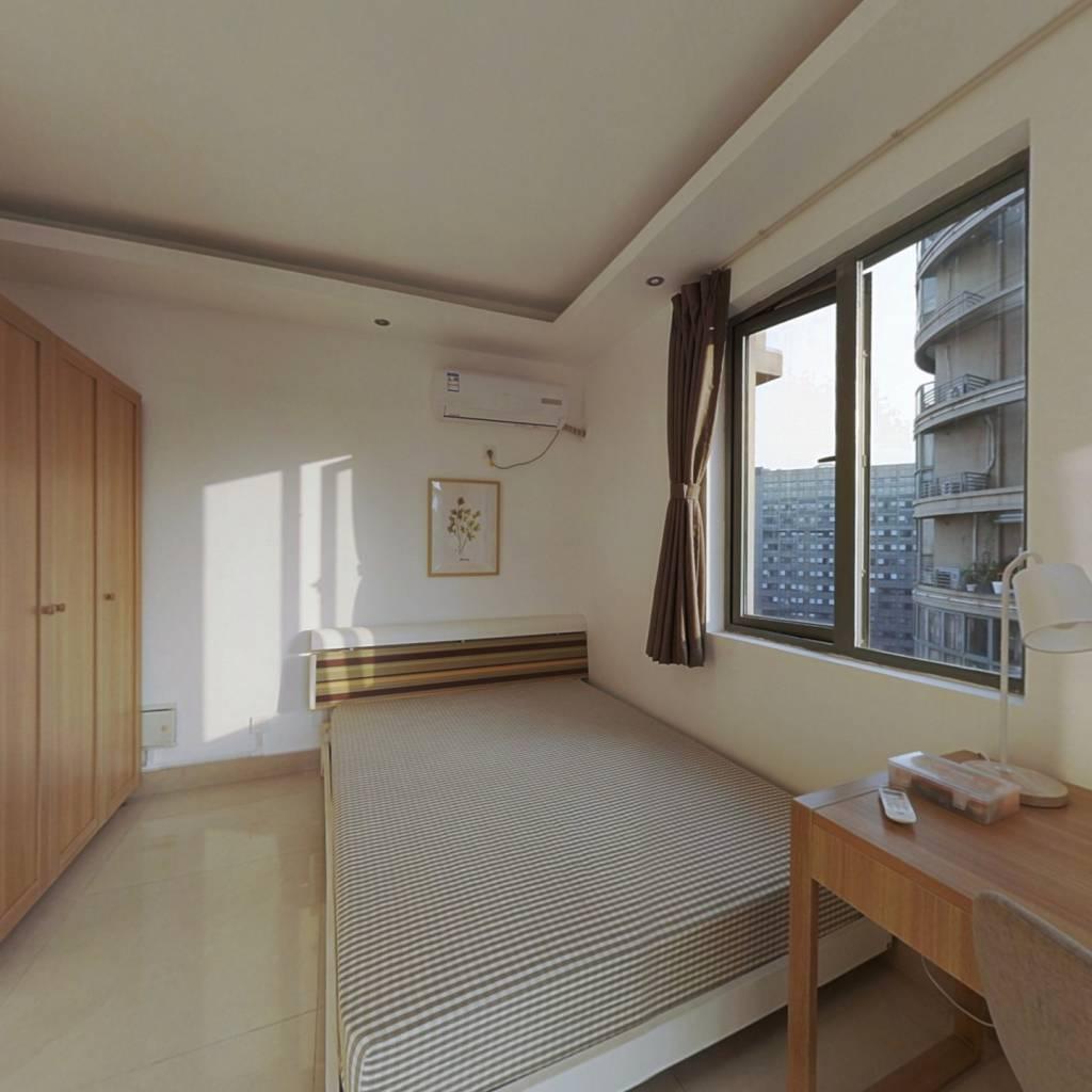 合租·红街公寓 3室1厅 西卧室图