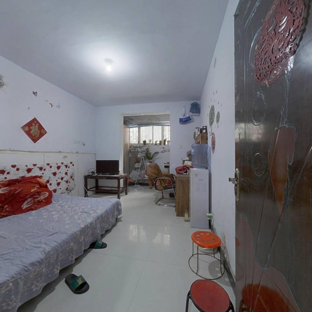 恒通小区,两室一厅,简装,全明户型。