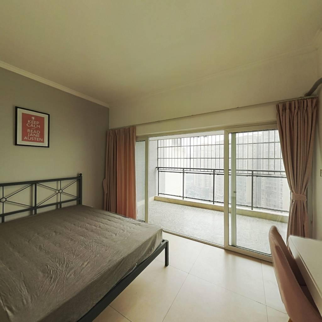 合租·华宇阳光水岸 4室1厅 南卧室图