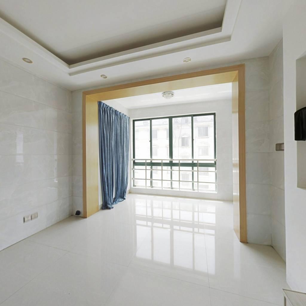经典三室房,产证清晰好过户,视野宽阔,交通便利