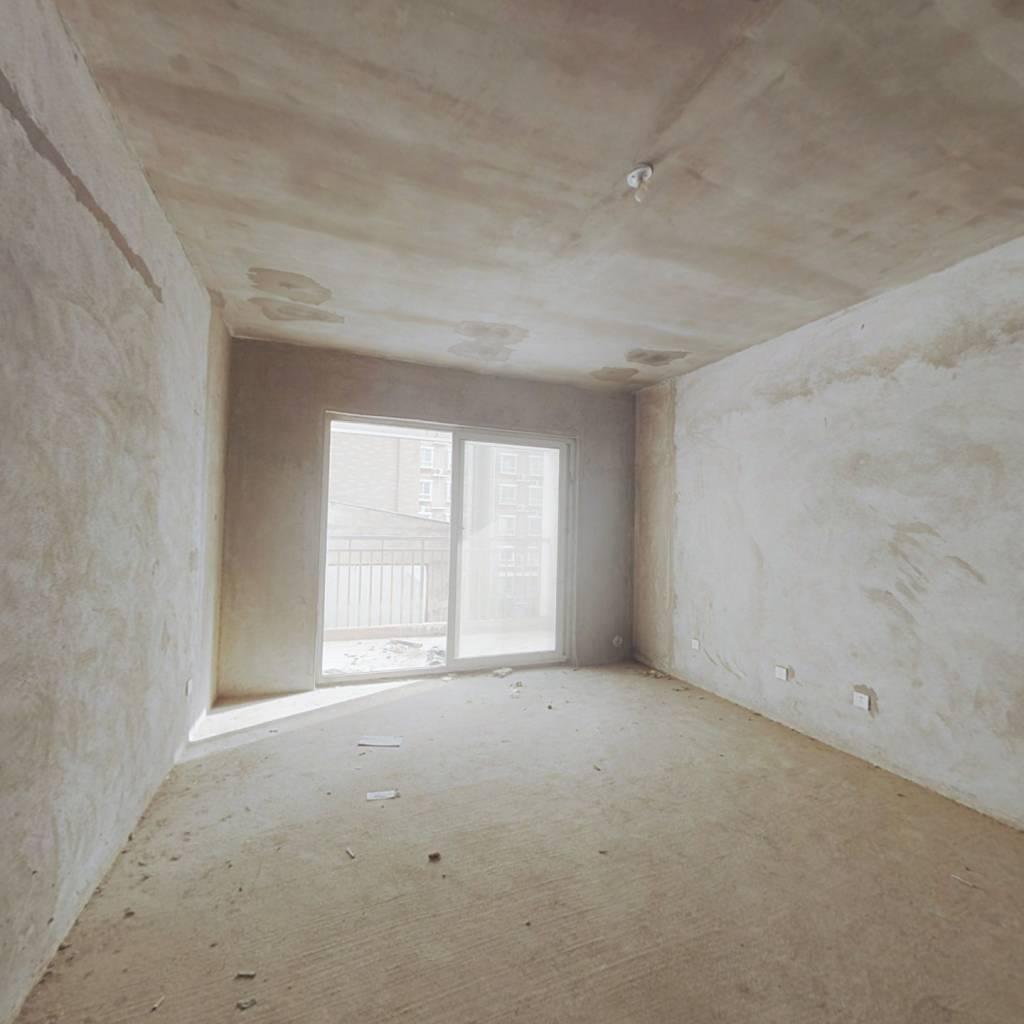 单价4951元    电梯正规两房   双阳台   诚意出售