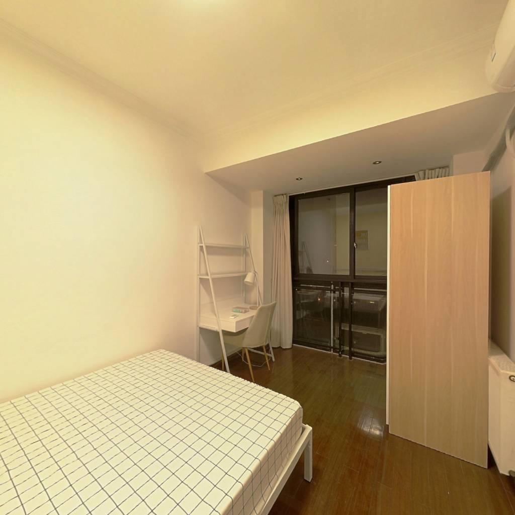 合租·丽都帝景 5室1厅 南卧室图