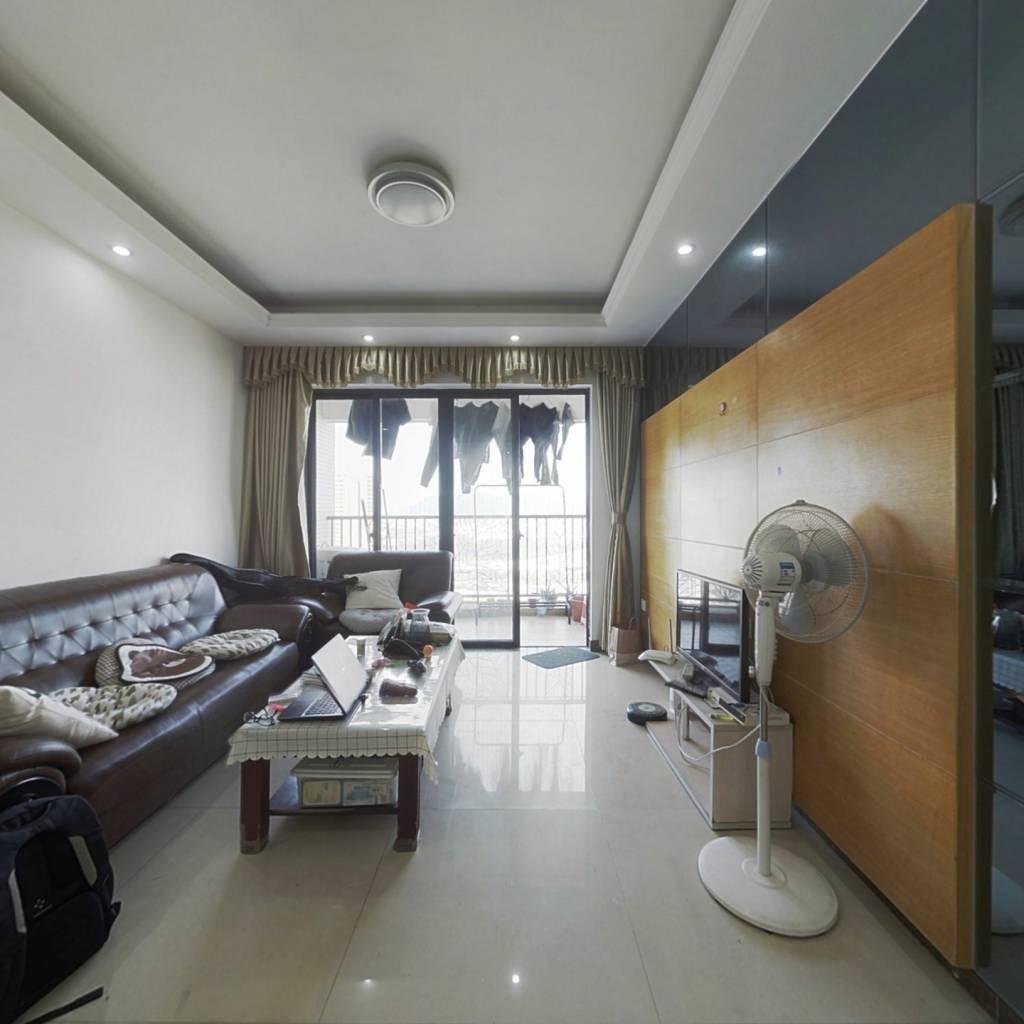 白江地铁口大型小区证满五唯一的二房出售