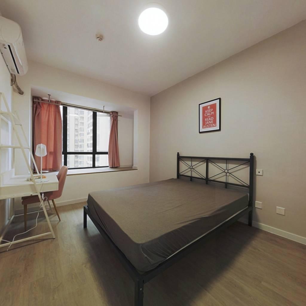 合租·中房优山PLUS 4室1厅 西卧室图