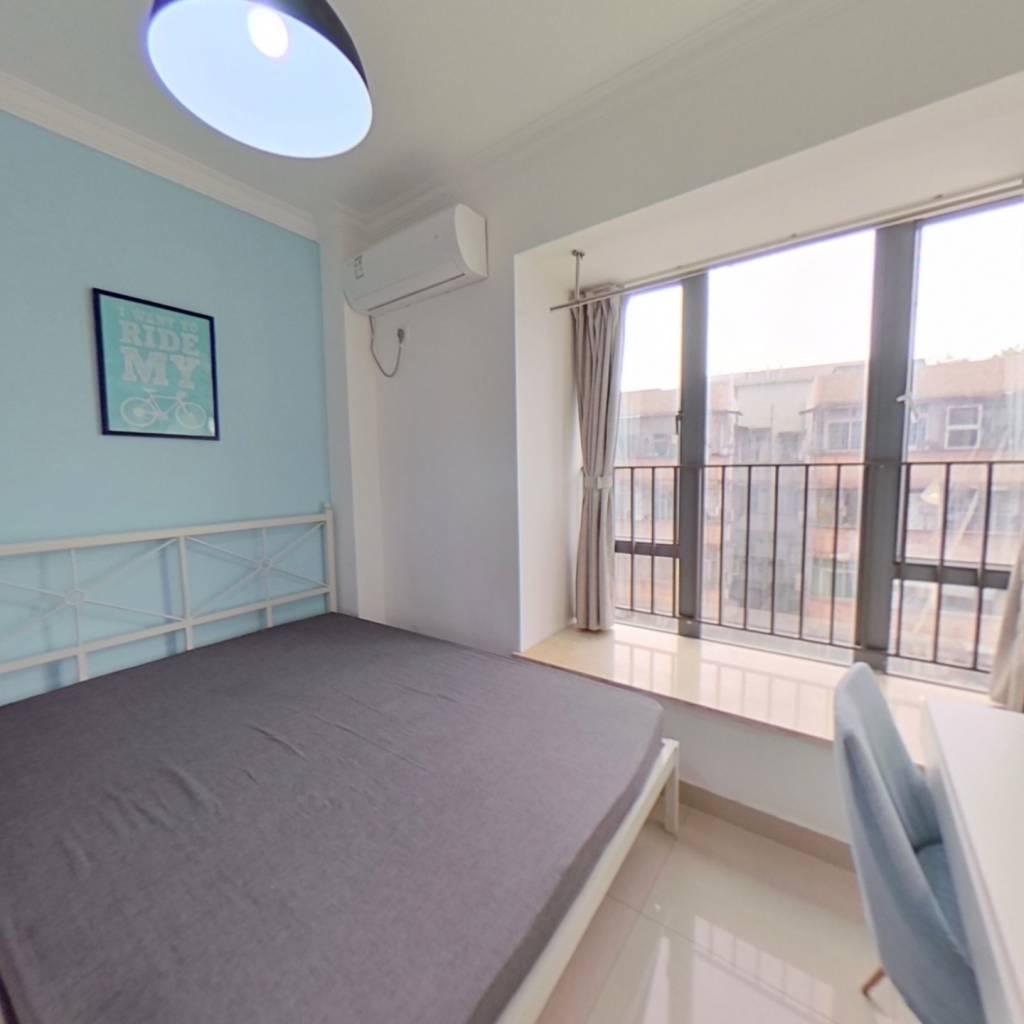 合租·纵横国际公寓 3室1厅 西北卧室图