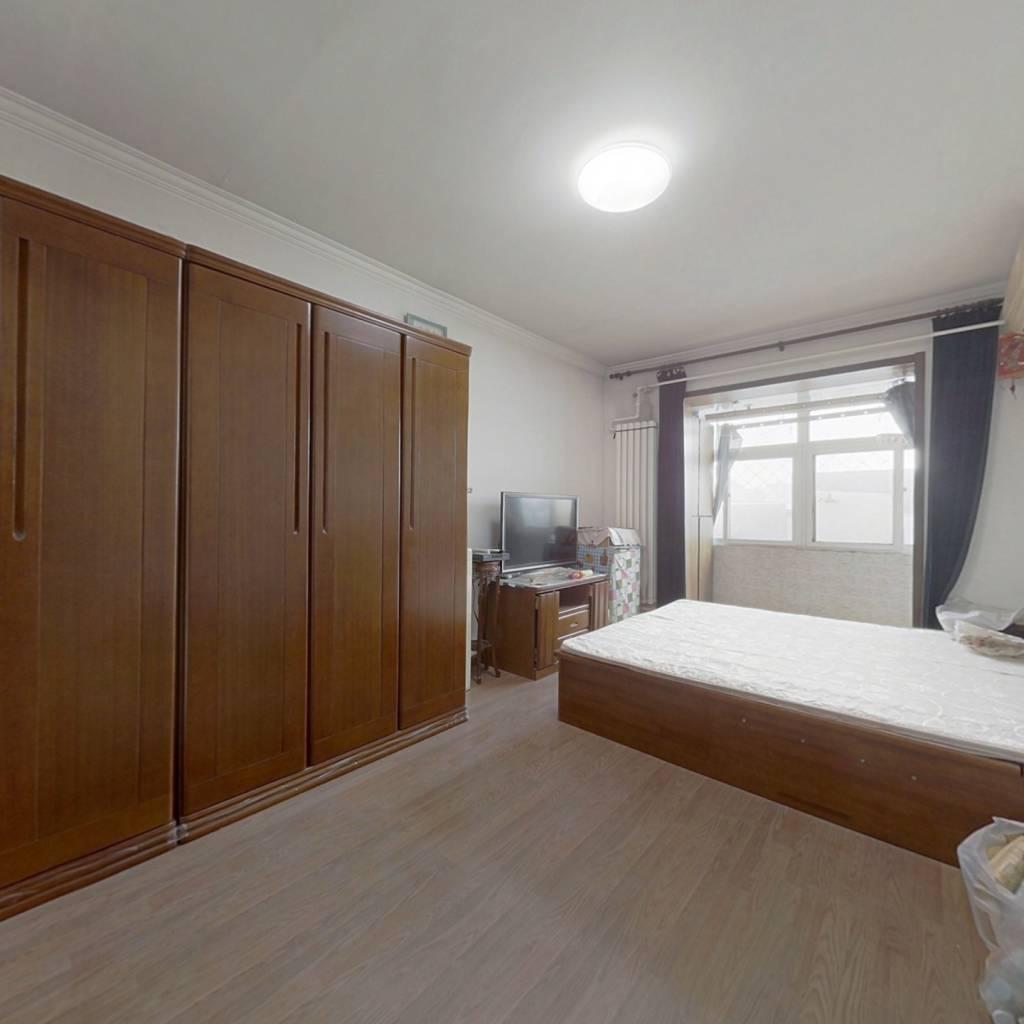 实用小三居,看房方便有钥匙欢迎看房