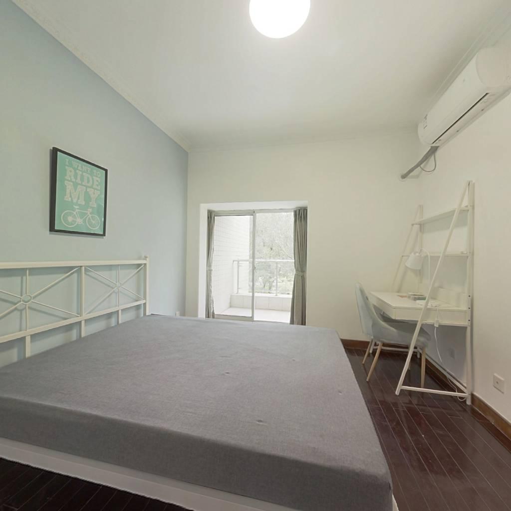 合租·大唐盛世花园 4室1厅 南卧室图