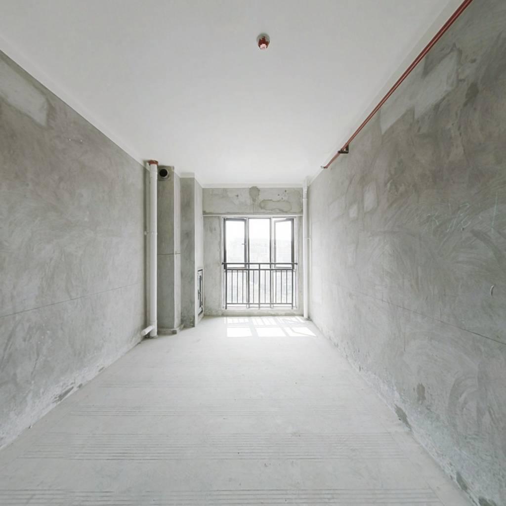 鲁能清水公寓,光线充足.高楼层