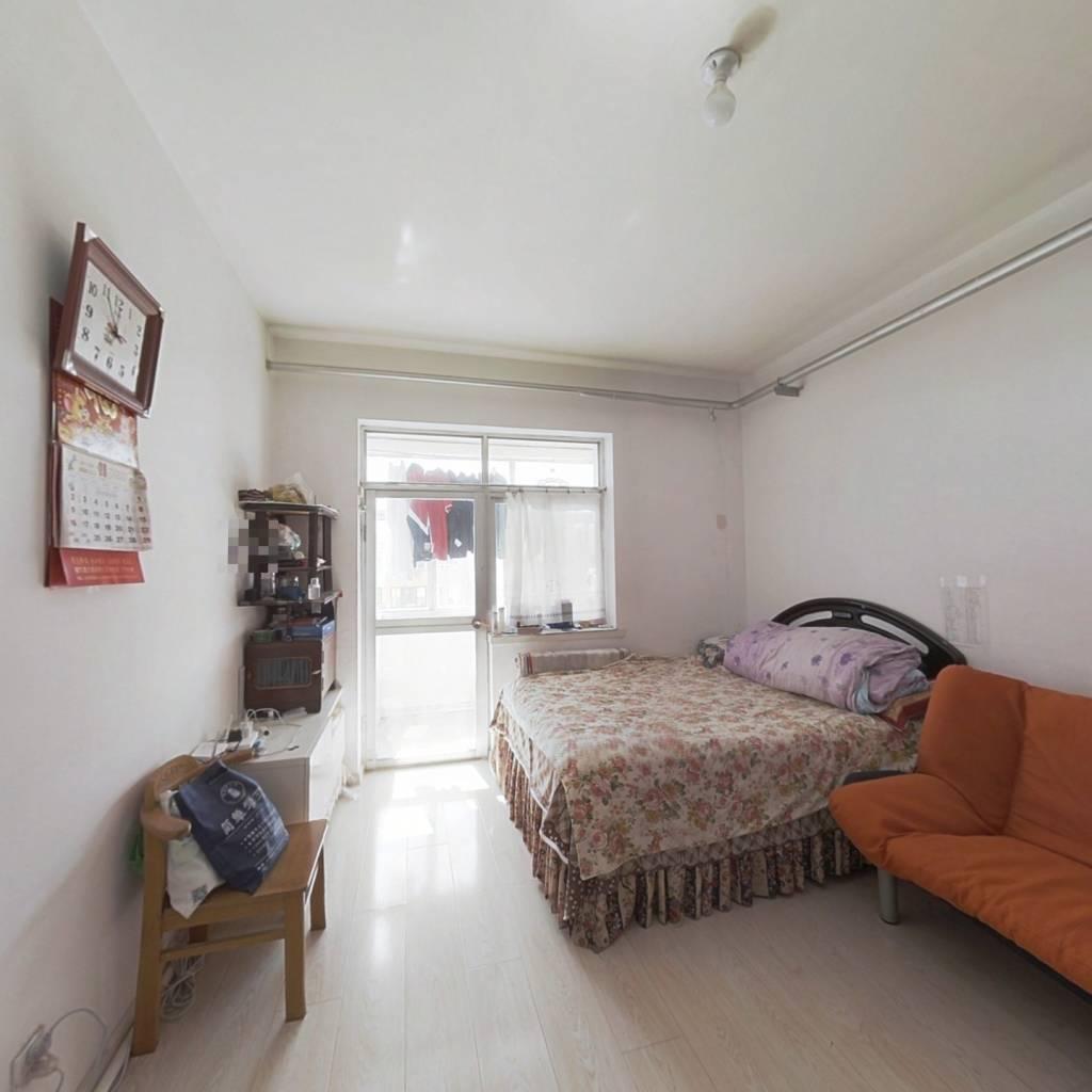 高祥里 标准一室一厅 户型方正 单价低 房主诚心出售