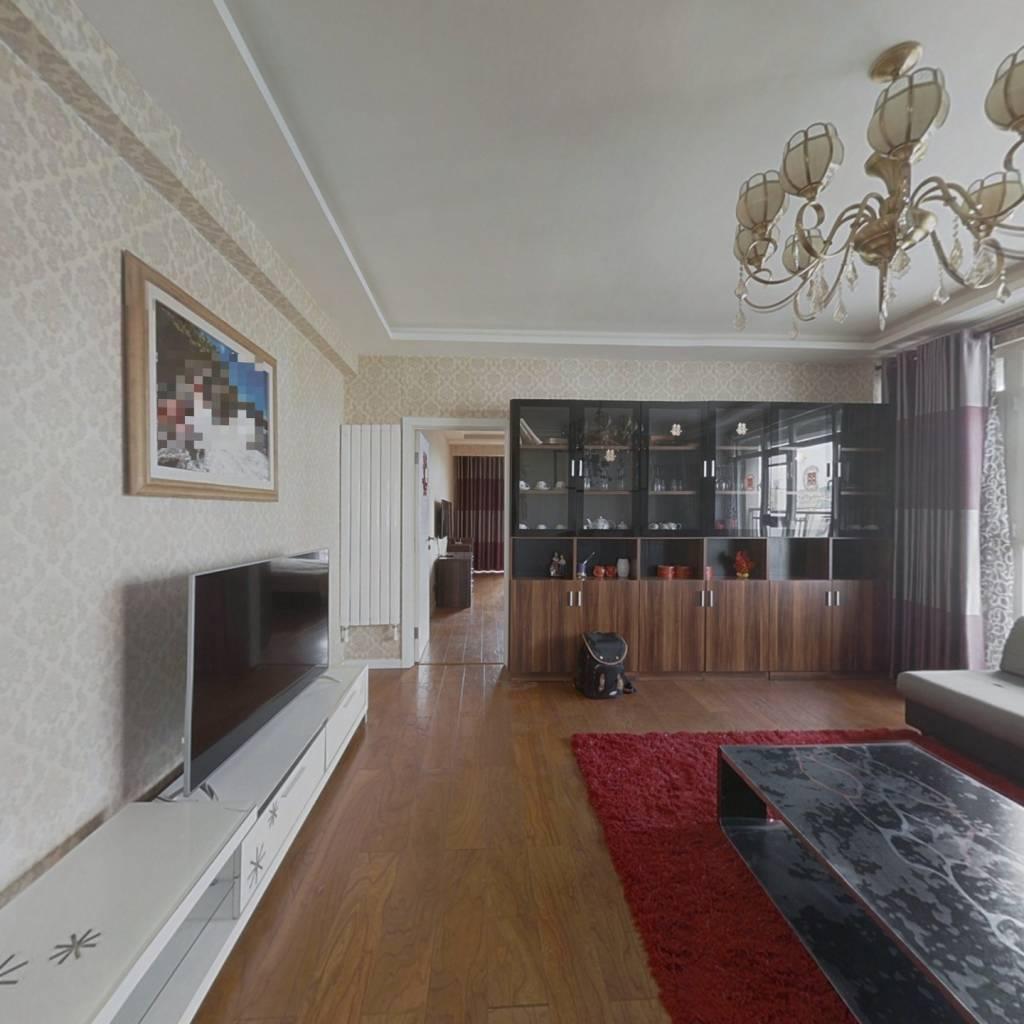 电梯小高层 大两居室精装婚房拎包住。