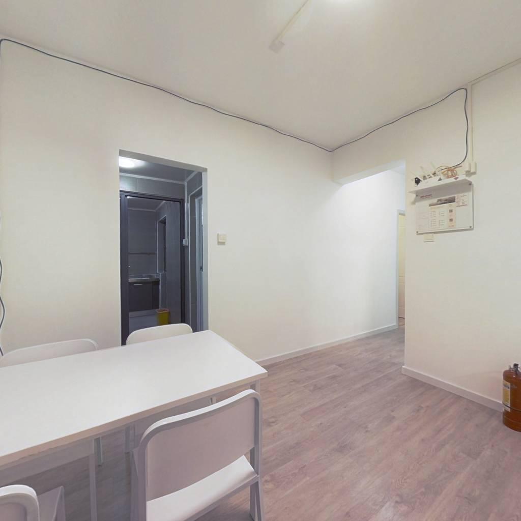 合租·深物业前海港湾花园 4室1厅 东卧室图