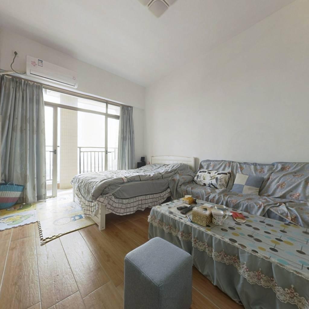 碧水湾精装单身公寓朝南带阳台楼层好位置佳