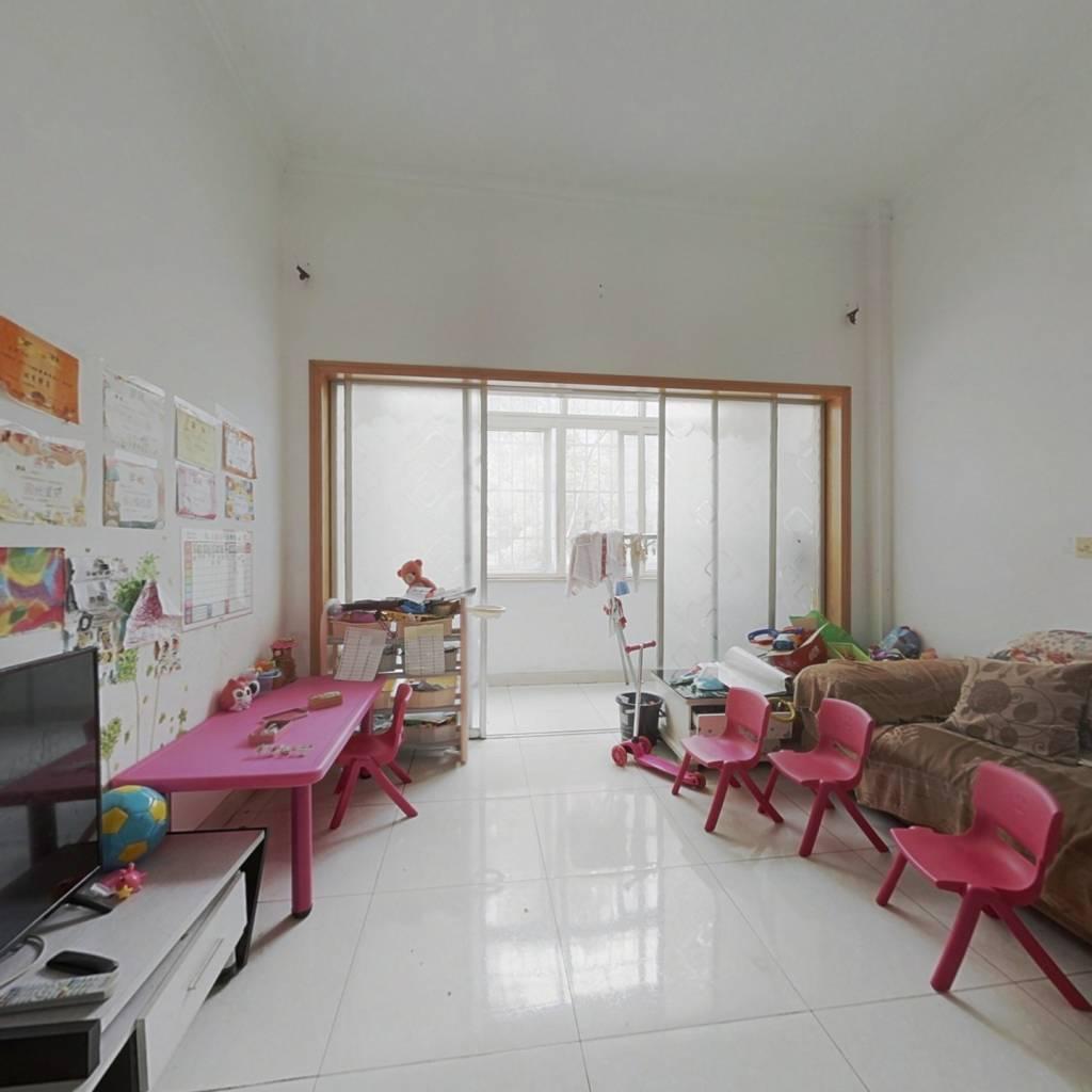幸福小区中间楼层精装两房满两年 看房方便请致电
