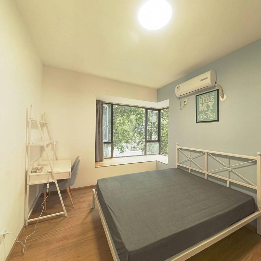 合租·凯华丽景 5室1厅 西卧室图