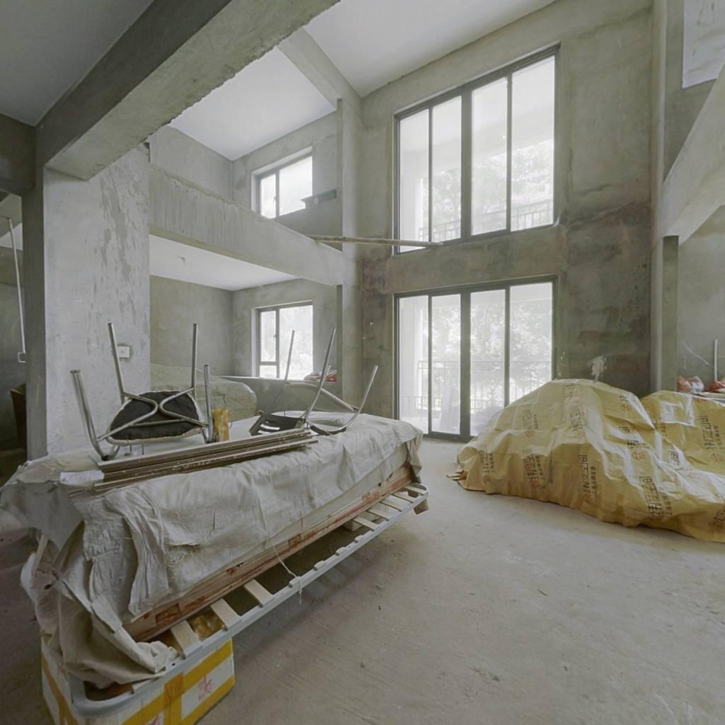 紫金香山:6室好房,万达商圈,户型方正,利用率高