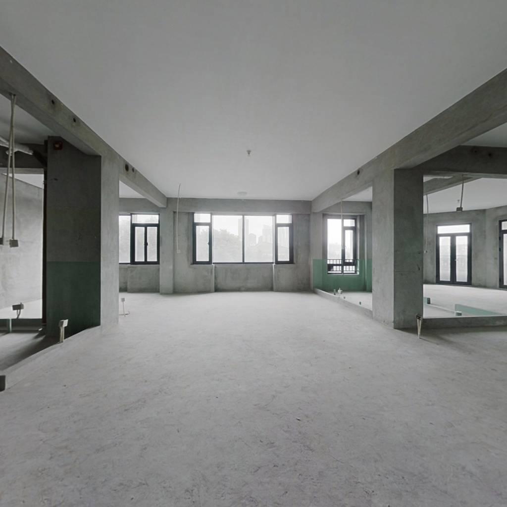 中庚红鼎天下东区 5室3厅 东南