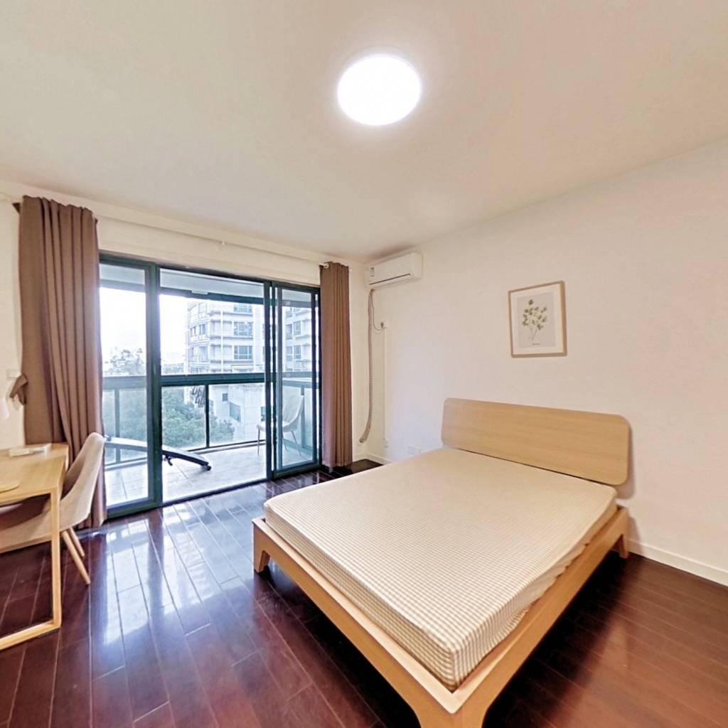 合租·河风丽景 3室1厅 北卧室图