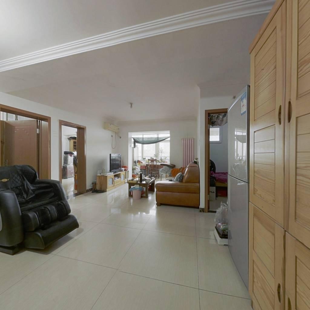 新康园三期  三居室  户型方正  看房方便  产权清晰