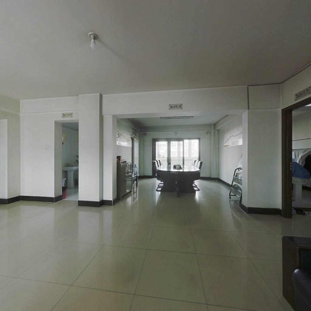 瑞特家园 5室3厅 南