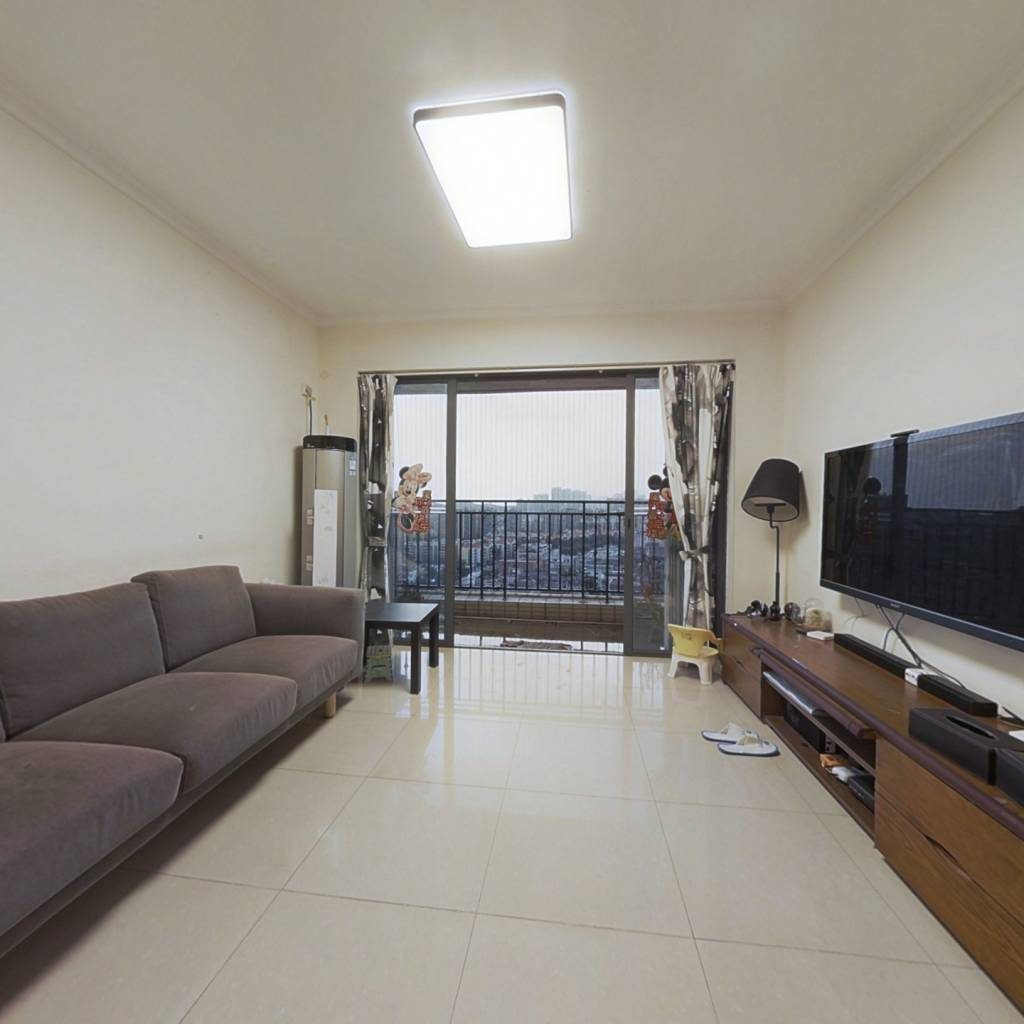 该房税费低,通风采光好,环境优雅