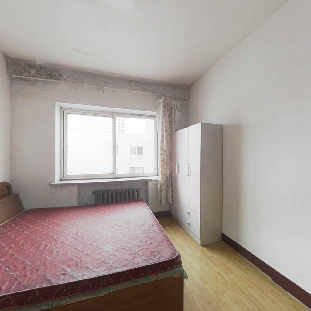蓝翎公寓 1室0厅 南