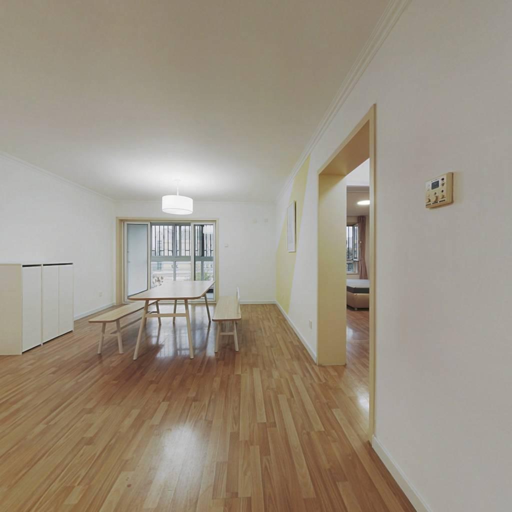 合租·龙腾苑二区 3室1厅 北卧室图