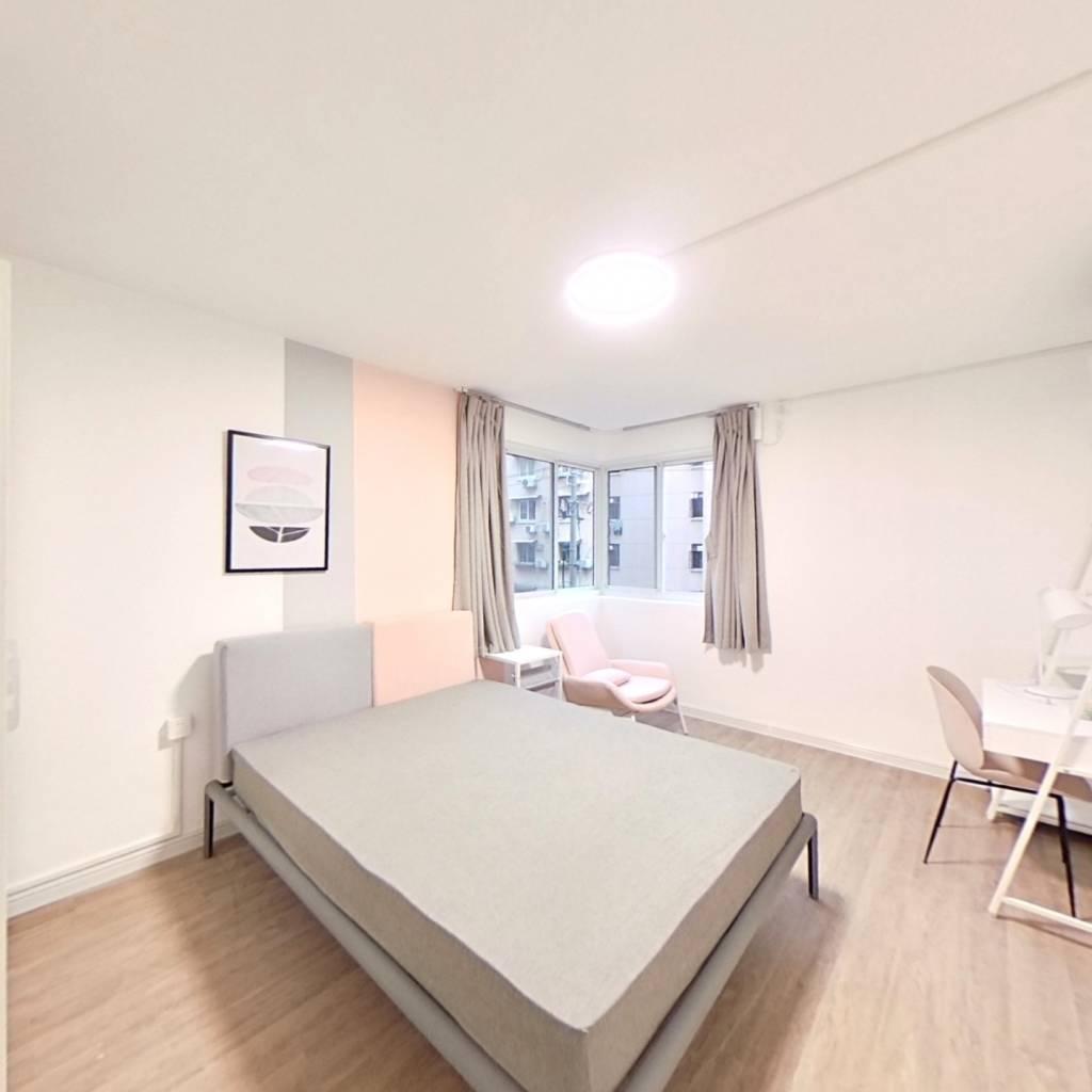 合租·奥森公寓 3室1厅 东卧室图