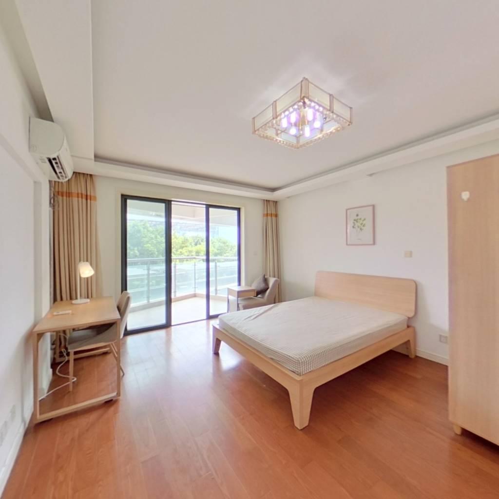 合租·耀江花园 4室1厅 北卧室图