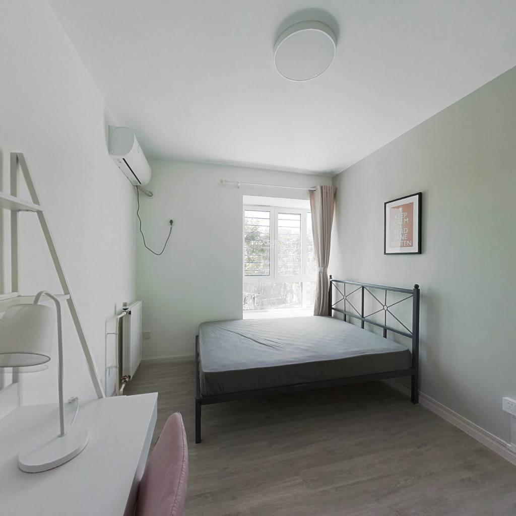 合租·夏洛兹花园 3室1厅 南卧室图
