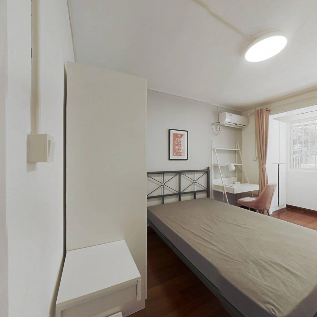 合租·同济新村 3室1厅 南卧室图