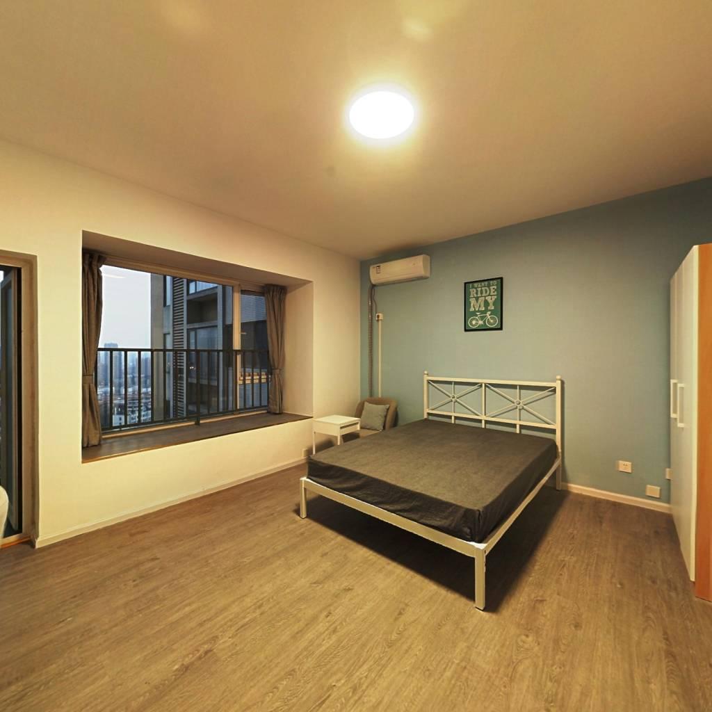 合租·德馨苑 6室1厅 东卧室图